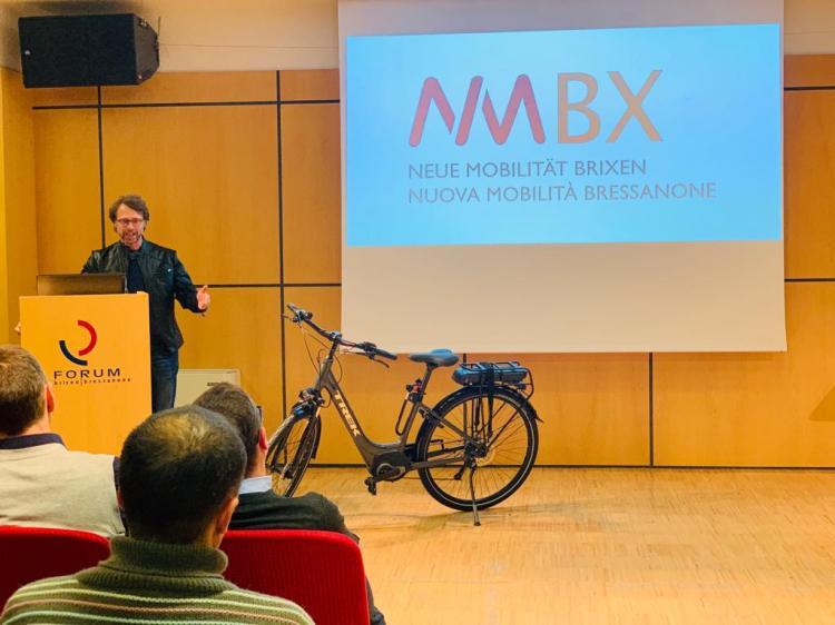 Gerold Siller Übergabe EBikes Mobilität Brixen